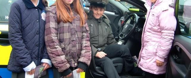 Children with traffic car_2